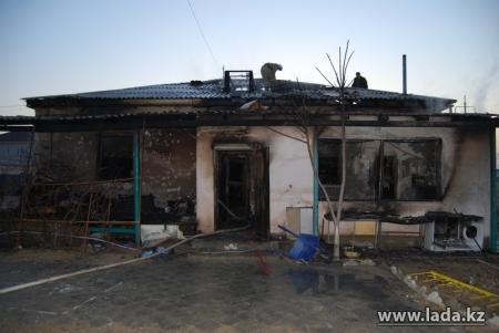Дом Утюшевых в Приозерном-3 мог загореться в результате неосторожного обращения с огнем
