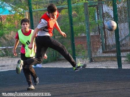 Определились участники полуфинального этапа турнира по мини-футболу в Актау