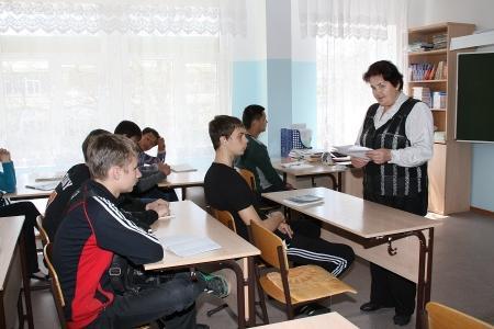 Учителя вечерней школы Актау вынуждены самостоятельно разрабатывать учебные программы