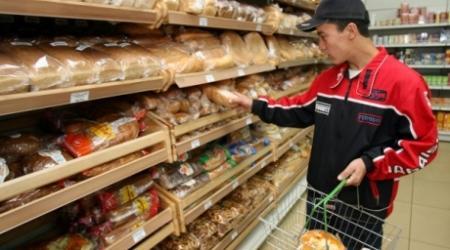 Казахстанец на покупки в месяц тратит в среднем 25 тысяч тенге - эксперты
