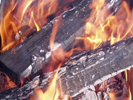 В поселке Приозерный сгорела крыша шашлычной