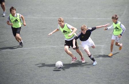 Победители чемпионата по футболу среди детей-сирот, стартовавшего в Актау, посетят Милан