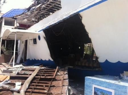 В Актау начался демонтаж кораблика «Равиль»