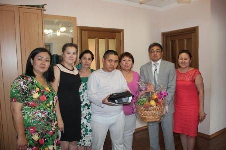 Сотрудники Актауского городского суда поздравили детей с праздником