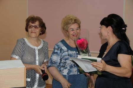 В Актау наградили учителей русского языка и литературы