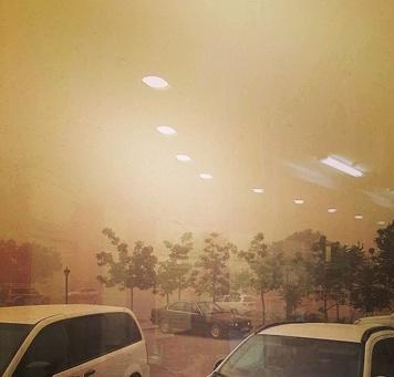 Буря в пустыне. Как жители Актау отреагировали на плохую погоду