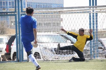 В Актау начался футбольный турнир среди ветеранов