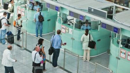 Число казахстанцев, выехавших на ПМЖ в другие страны мира, увеличилось на 28% в 2013 году