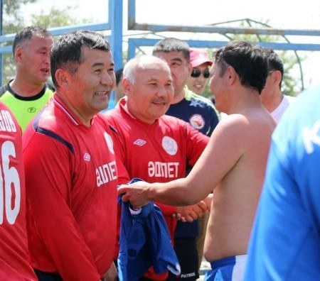 В Актау завершился очередной ветеранский турнир по футболу