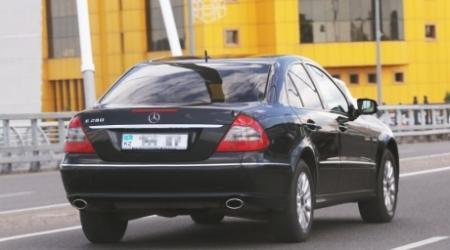 Госзакупки авто возмутили депутата Мажилиса