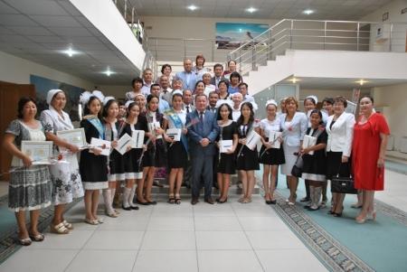 Мунайлинские выпускники-отличники побывали в гостях у главы района
