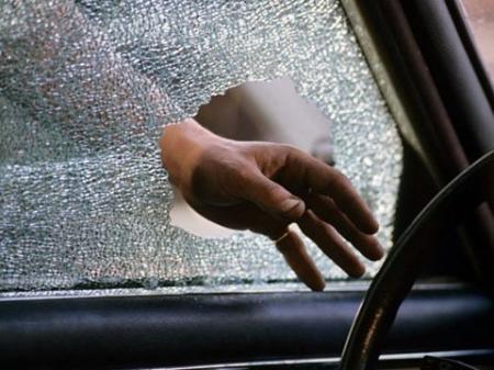 В Актау задержан подозреваемый в краже более миллиона тенге из автомобиля