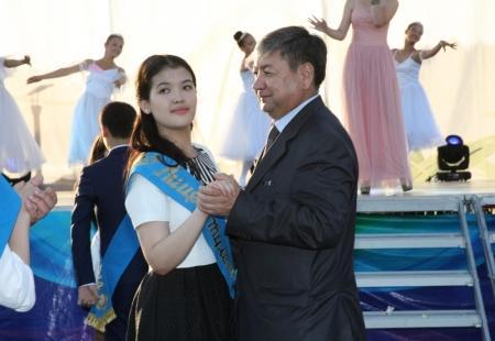 В Актау прошел общегородской выпускной