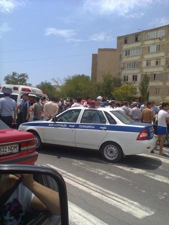 В Актау китайский внедорожник тяжело травмировал работницу предприятия «Кала жолдары»