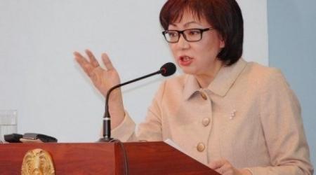 Не давать врачам взятки призвала казахстанцев глава Минздрава