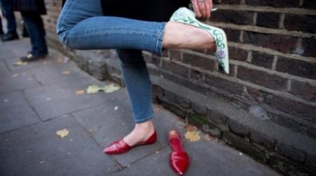 Запрещать кеды и туфли на каблуках в ТС не будут