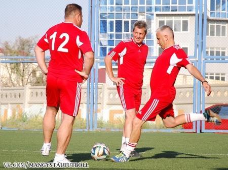 В Актау товарищеский матч по футболу памяти Георгия Воробьева закончился ничьей