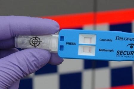 Госслужащие и полицейские пройдут наркотесты