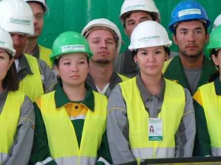 Нурсултан Назарбаев дал старт мангистаускому заводу «Каспий цемент»