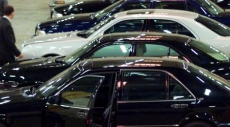 Десятки служебных авто дороже 40 тысяч долларов приобретают чиновники РК