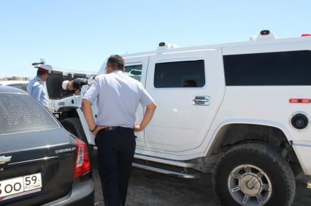 За минувшие выходные в Актау на штрафную стоянку водворены два автомобиля из свадебных кортежей