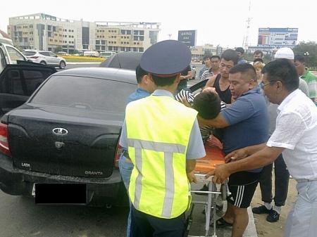 В Актау в результате ДТП тяжелые травмы получили два человека
