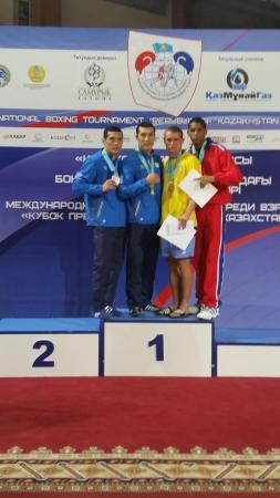 Адильбек Ниязымбетов и Берик Абдрахманов стали чемпионами Кубка Президента Казахстана по боксу