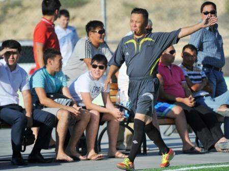 В открытом чемпионате Актау по футболу (6х6) новый лидер