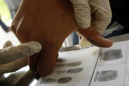В Казахстане начнут брать с мигрантов отпечатки пальцев