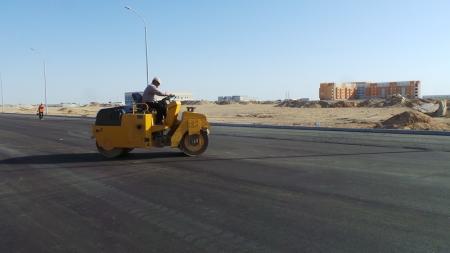 На окраинах Актау строят шикарные дороги
