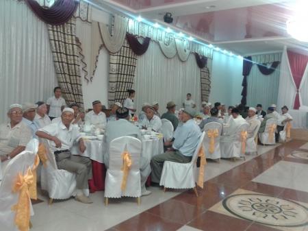 Аким Мунайлинского района организовал ауызашар для жителей