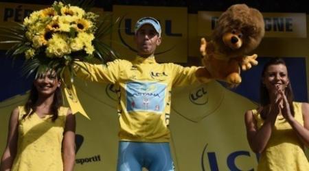 "Капитан ""Астаны"" Винченцо Нибали стал победителем ""Тур де Франс"""
