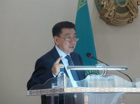 Алик Айдарбаев: Дефицит воды в Мангистауской области составляет 40 тысяч кубометров в сутки