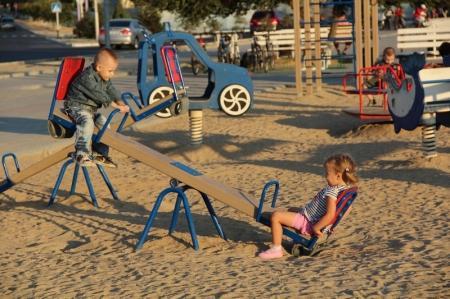 Городской отдел ЖКХ: В Актау нужно установить еще 105 детских площадок