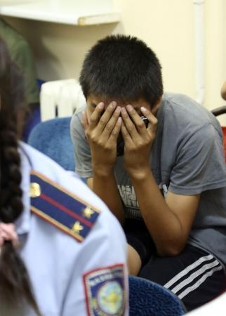 В Актау с газовым пистолетом и наркотиками задержан 17-летний подросток