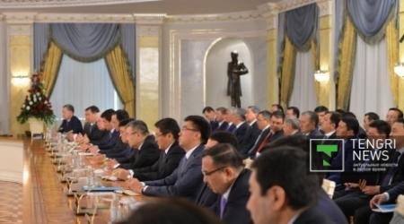 Назарбаев назвал госслужащих главными распространителями слухов