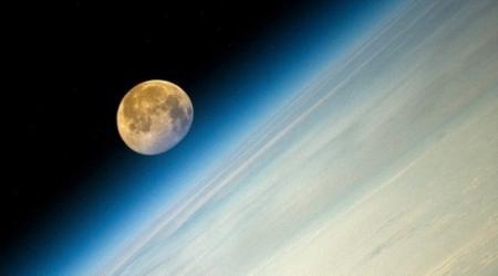 Космонавт опубликовал фото суперлуны с орбиты