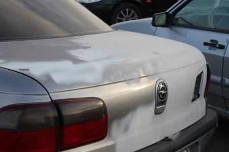 В дорожной аварии в Мангистауском районе погиб водитель Opel Vectra