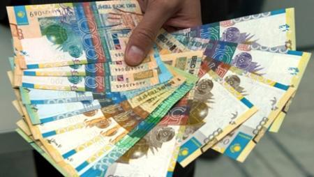 Казахстанцы рассказали о самых нестандартных способах потратить зарплату