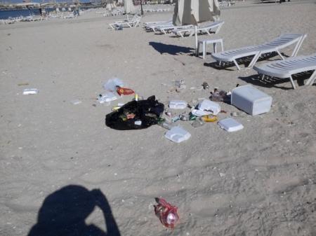Мусорная свалка на пляже