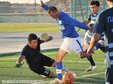 В Актау стартовал турнир по мини-футболу среди работников нефтегазовой сферы