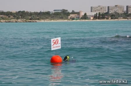 Алексей Оськин: Рифболы, установленные на морском дне в Актау, стали домом для нескольких тысяч мальков