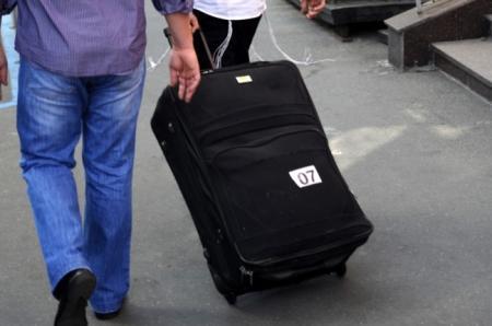 За полгода из Казахстана уехали более 10 тысяч человек