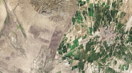 Снимок из космоса показал различие между Казахстаном и Китаем