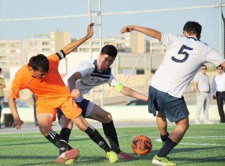 В борьбу за кубок Нефтяников турнира по мини-футболу включилась команда ММГ