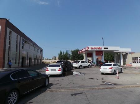На большинстве заправок Актау бензин АИ-92 можно приобрести только по талонам
