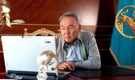 Назарбаев: В случае перегибов с госязыком нас ждёт судьба Украины