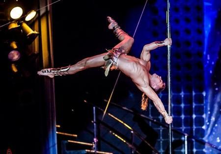 Pole Dance – не стриптиз, а сочетание акробатики и хореографии