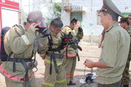 Актауские пожарные боролись за звание «Лучшее звено газодымозащитной службы»
