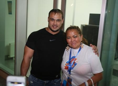В аэропорту Актау встретили двукратного олимпийского чемпиона Илью Ильина